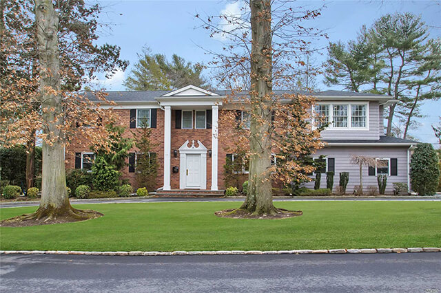 Colonial In East Hills