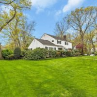 east-hills-colonial-home-15