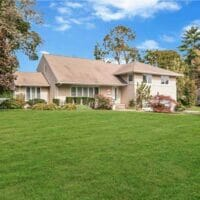 Roslyn Home For Sale Outside